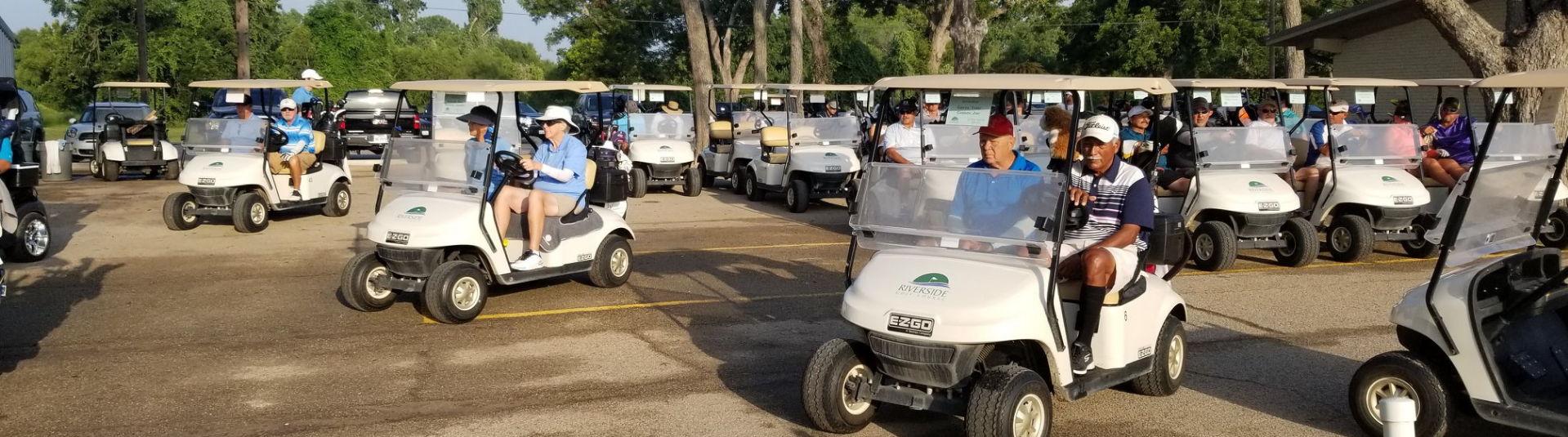Golfers in golf carts get ready to ride out at Riverside Golf Course in Victoria, Texas